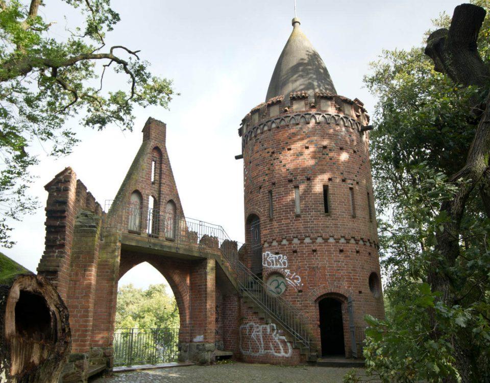 Burg auf der Halbinsel Reppin